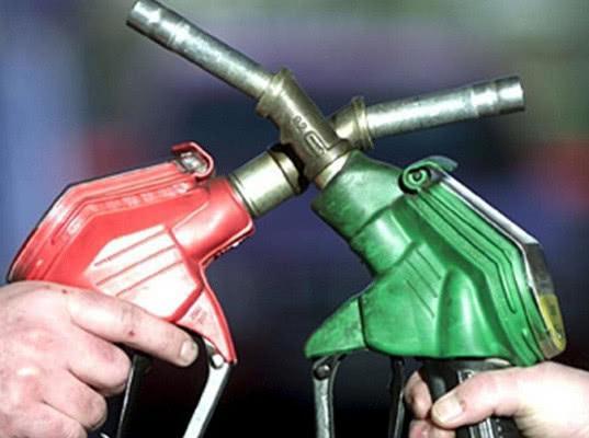 Независимые АЗС предложили отменить акцизы на бензин и дизельное топливо