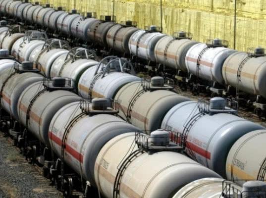Власти Украины ввели спецпошлины на импорт дизтоплива и сжиженного газа из РФ - Новости таможни