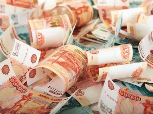У россиян в июне резко вырос объем свободных денег, выяснили в Ромире