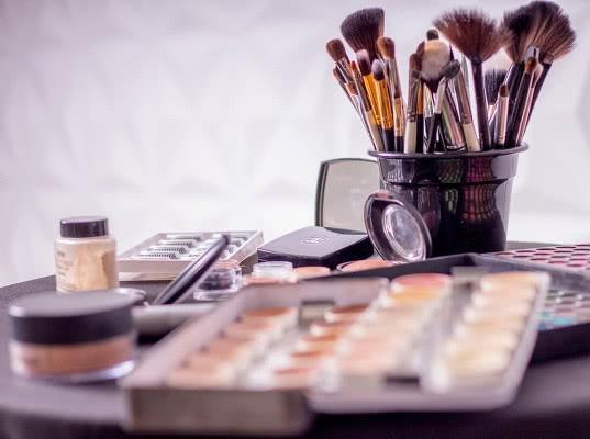 ЕЭК установила порядок оборота парфюмерии и косметики в ЕАЭС в переходной период - Новости таможни