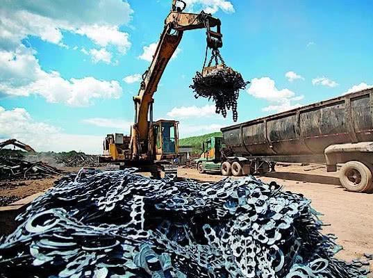 Минпромторг направил в МЭР проект постановления о квотах на экспорт лома - Новости таможни
