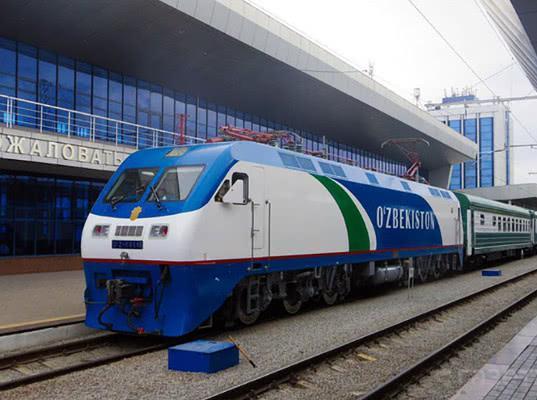 Новый пассажирский поезд свяжет Москву и Ташкент