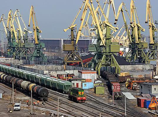 Левитин призвал власти Петербурга построить железнодорожные подходы к морским портам - Логистика