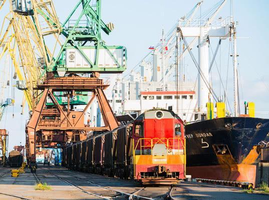 Погрузка экспортных грузов в порты на сети РЖД за 11 месяцев выросла почти на 5% - Логистика