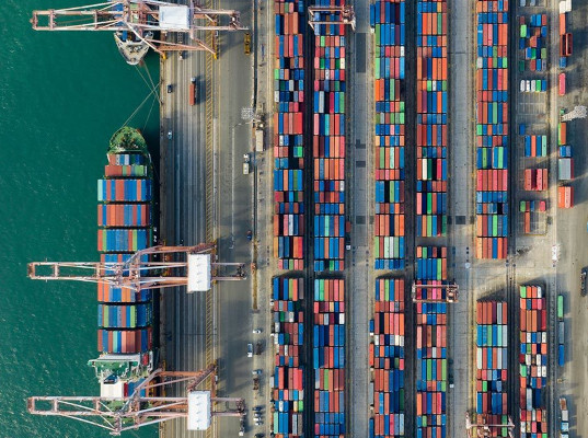 Контейнерный сервис, связывающий порты Азии и Европы через Россию, до конца года станет еженедельным - Логистика