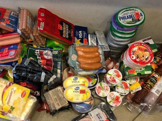 За 1 день инспекторы Управления Россельхознадзора вернули в Финляндию более центнера продуктов