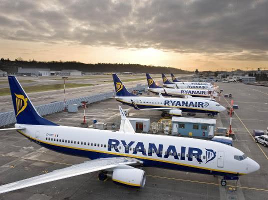 Ryanair отменила 400 рейсов в Европе из-за забастовки пилотов - Логистика