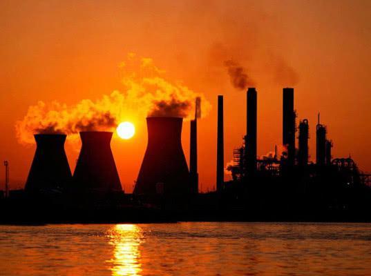 Рост промышленного производства в России замедлился в пять раз