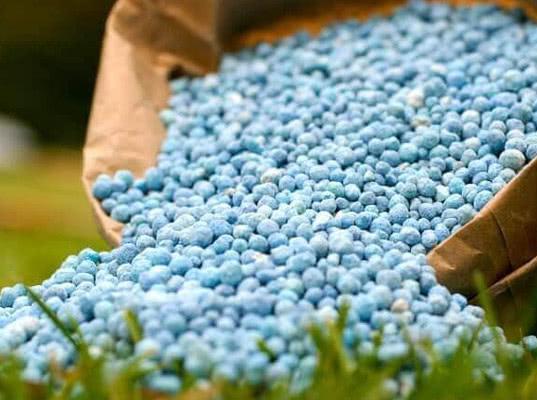 Украина временно прекращает импорт минудобрений из России - Новости таможни