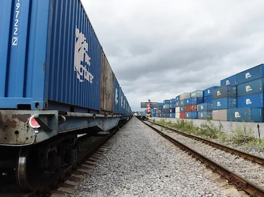 Первый контейнерный поезд, следующий из Китая в Великобританию, прибыл в Калининград - Логистика