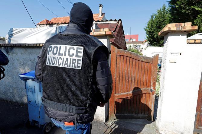 На юге Франции сторонник ИГ захватил заложников