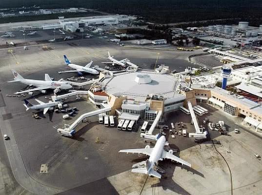 Минтранс поручил обеспечить возвращение в Россию 500 туристов из Мексики - Логистика