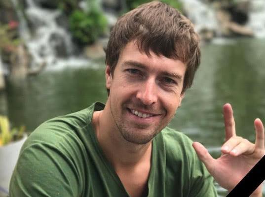 Наставник Насти Рыбки рассказал, что его выгоняют из «Сколково» после расследования Навального