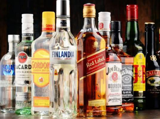 Более 890 литров алкогольной продукции передала Сахалинская таможня в «Росспиртпром» с начала 2018 года