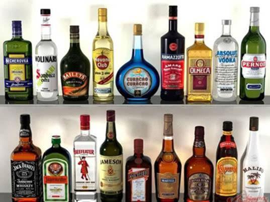 Импортный алкоголь смотрит на курс