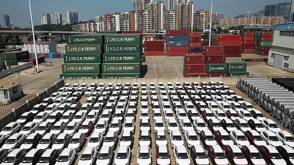 Внешняя торговля РФ концентрируется на вывозе сырья и импорте из Китая - Обзор прессы