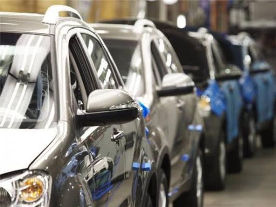 Доходы от автоэкспорта снижаются - Обзор прессы