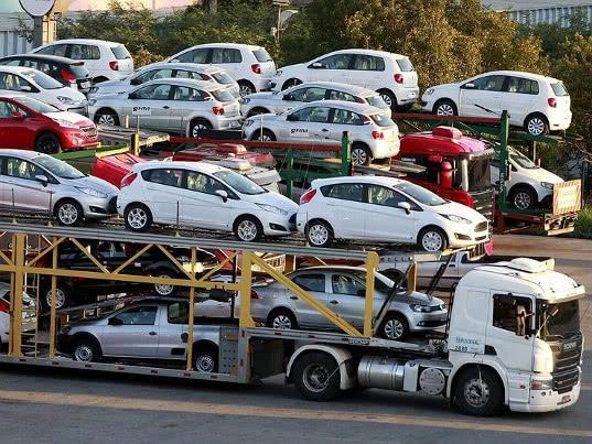Экспорт легковых автомобилей из РФ увеличился почти на треть