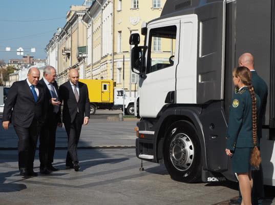 Булавин ознакомил министра финансов и руководителя ФНС с новейшими техсредствами таможенного контроля