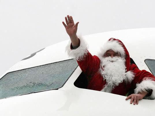 Победа предложила Деду Морозу и Снегурочке лететь бесплатно