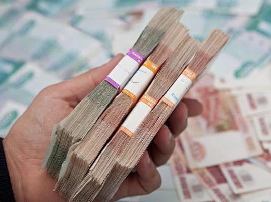Жителю Югры по ошибке выдали в банке 400 тысяч рублей. Полиция обвинила его в краже - Экономика и общество