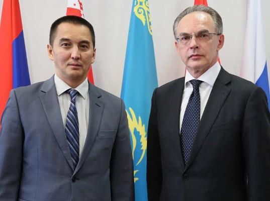 ЕЭК и Международный союз автомобильного транспорта обсудили взаимодействие - Новости таможни