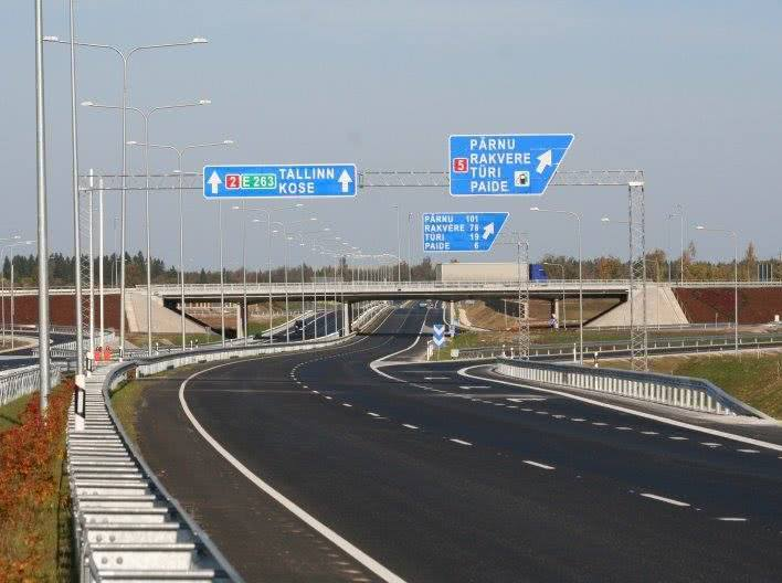 Проезд по дорогам Эстонии станет платным - Логистика