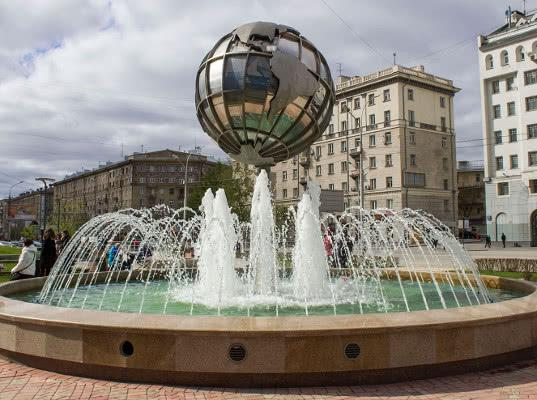 Власти Новосибирска решили запретить митинг из-за бьющего током фонтана