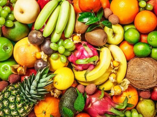 В России ввели норму провоза в багаже фруктов и цветов