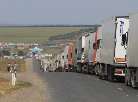 Казахстан облегчает транспортировку товаров из Киргизии в Россию - Обзор прессы