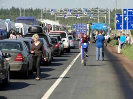Выборгская таможня готовится к увеличению пассажиропотока на майские праздники - Новости таможни