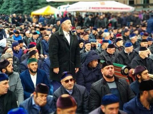 Полиция избила и задержала участников субботника в Ингушетии на новой границе с Чечней - Экономика и общество