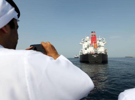 Британский танкер попытались захватить пять иранских катеров - Логистика