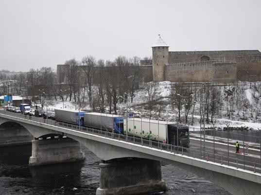 Кингисеппская таможня справилась с новогодним туристическим потоком - Новости таможни