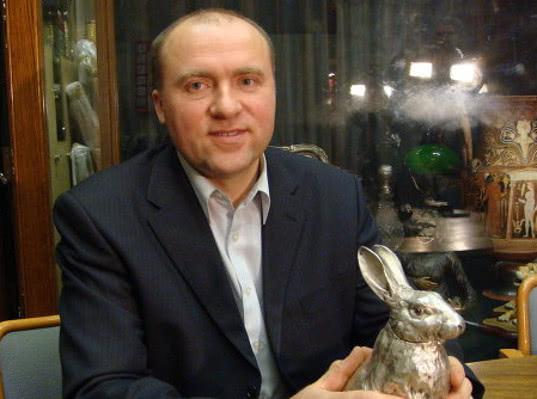 Удар по яйцам: российский миллиардер судится с Британией
