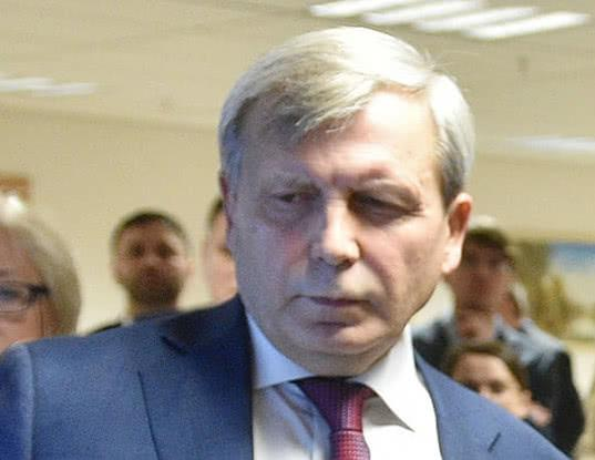 По подозрению в получении взятки задержан замглавы Пенсионного фонда Алексей Иванов - Экономика и общество