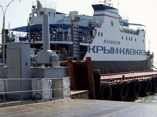 Керченская паромная переправа продолжит работу и после ввода Крымского моста