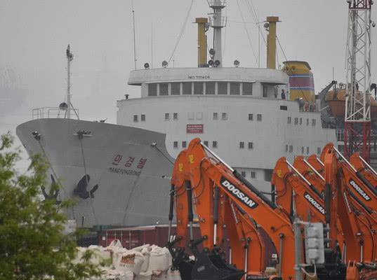 Таможня разрешила доставить продукты на подавшее сигнал бедствия судно из КНДР - Новости таможни
