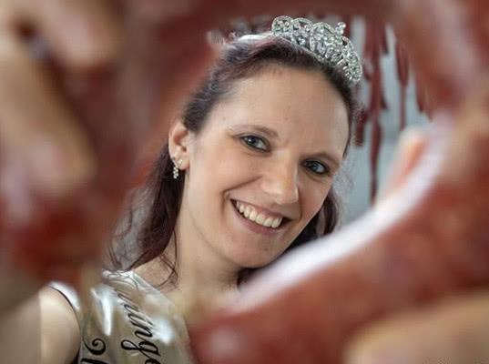 В Тюрингии выбрали новую колбасную королеву - Экономика и общество