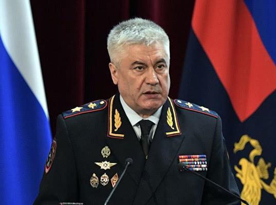 Колокольцев попросил Путина уволить двух полицейских из-за дела Голунова - Экономика и общество