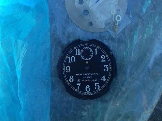 Светящийся корпус возвращавщихся на родину американских часов обнаружен на таможне в Пулково