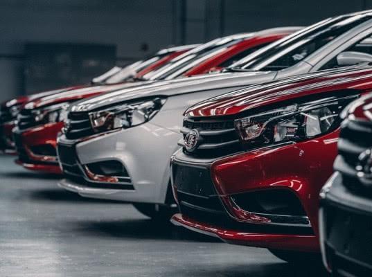 Украина перенесла сроки запрета на ввоз российских автомобилей на полгода