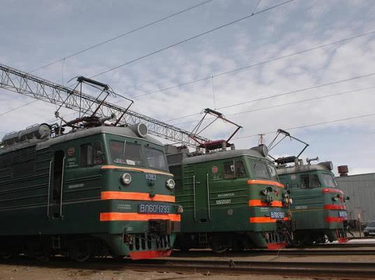 На Октябрьскую железную дорогу поступит 160 локомотивов в 2018 году - Логистика