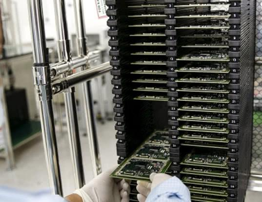 Главными поставщиками микроэлектроники в Россию оказались три страны Азии - Обзор прессы