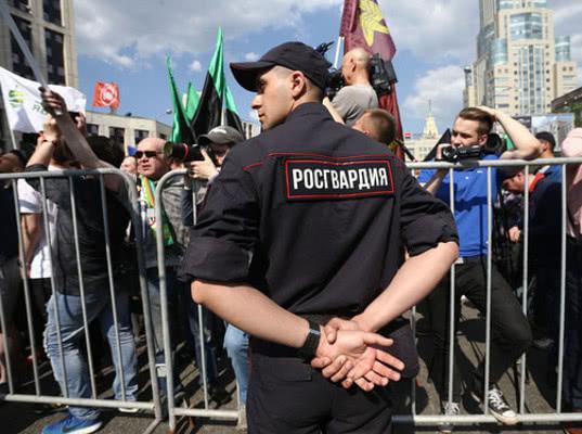 Мундепы подали заявки на проведение массовых пикетов 17 августа. До этого мэрия отказала им в согласовании митинга - Экономика и общество