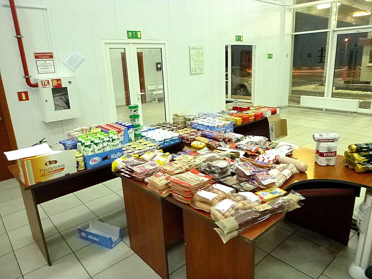 445 кг сыра и колбасы для знакомых - Криминал