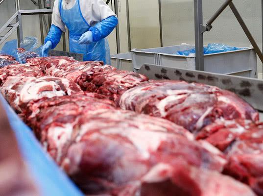 Пять белорусских мясокомбинатов ограничили в поставках продукции на территорию России