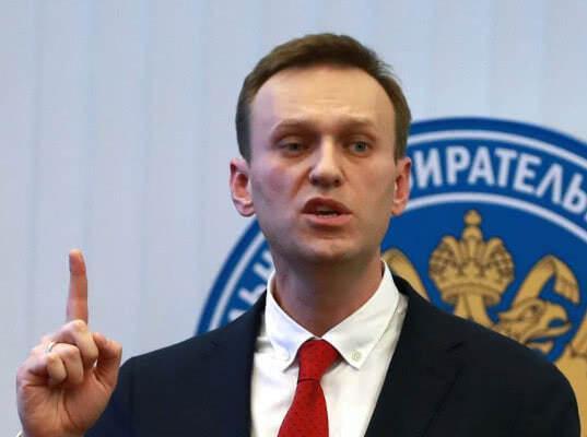 Навальный начинает кампанию по бойкоту президентских выборов