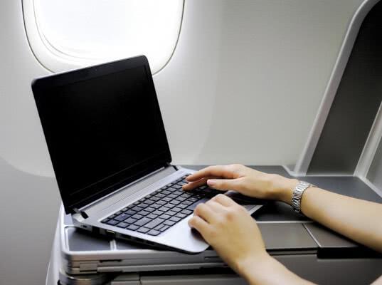Победа разрешила брать в самолет ноутбук в дополнение к ручной клади - Логистика