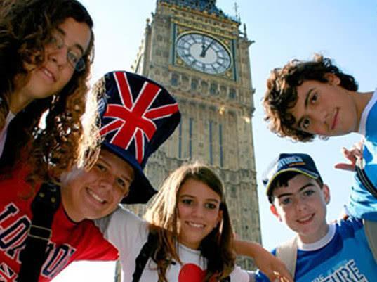 Россия вышла в мировые лидеры по количеству обучающихся в Великобритании детей - Экономика и общество